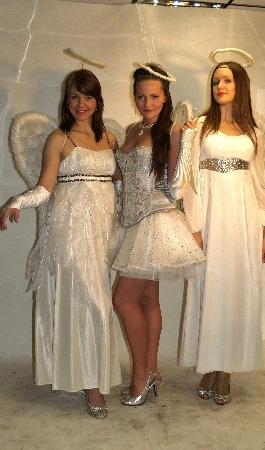 Inglid kostüümid