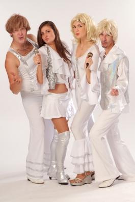 ABBA valged  kostüümid