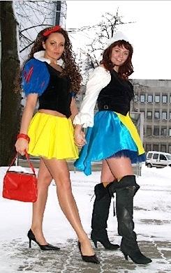 Lumivalgeke ja Pöial-Liisi