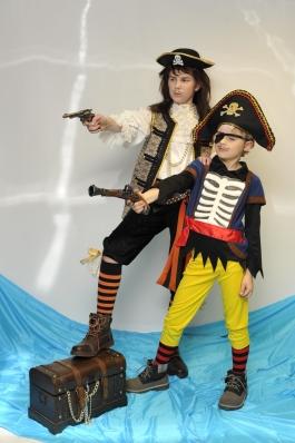 Mereröövlid lapsed kostüüm